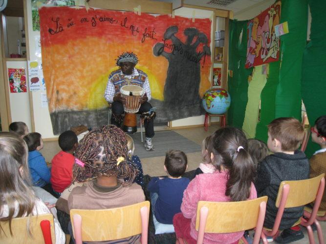 Visite de Serge à l'école.