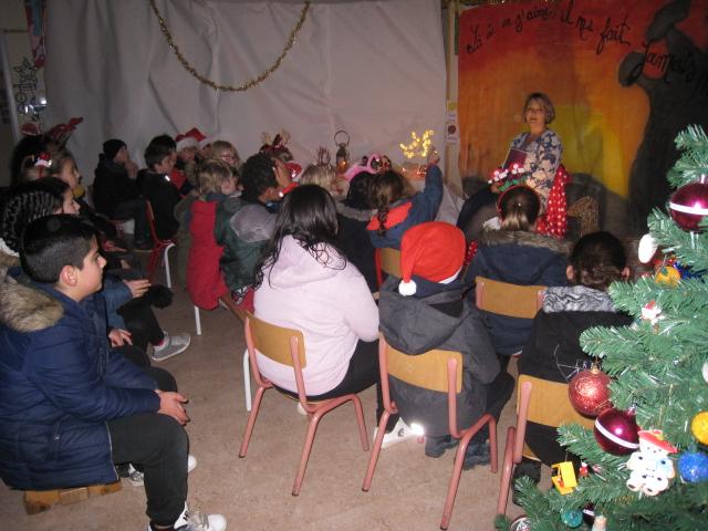 Balade contée de Noël + chorale par les petits choristes de notre école :)